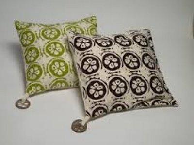 Almofada com detalhes de coco babaçu