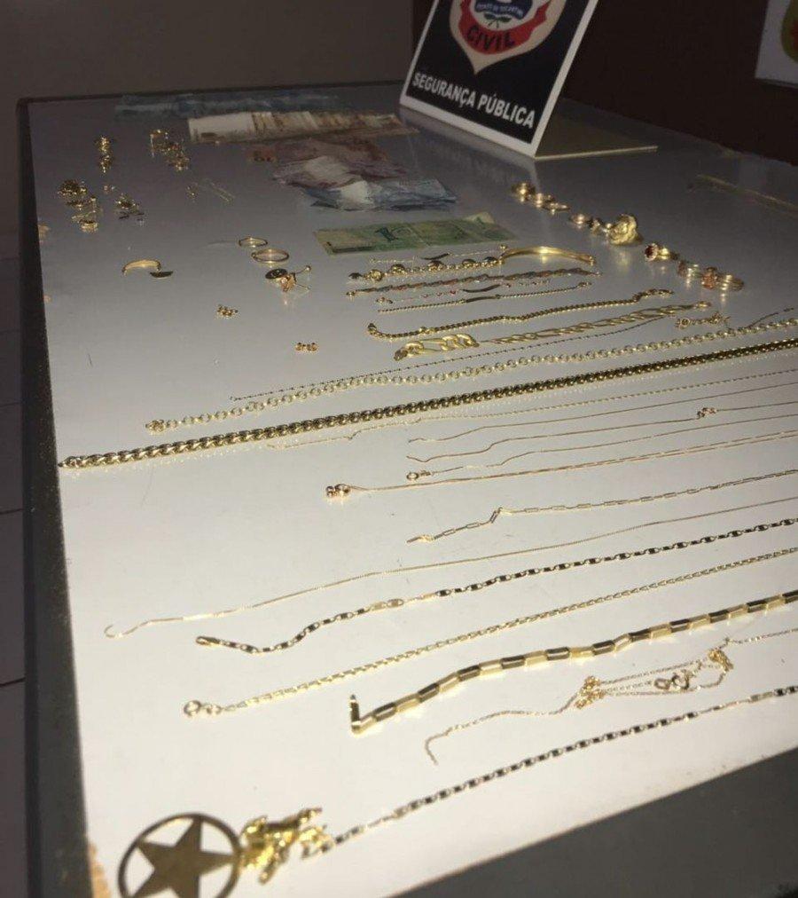 Segundo a polícia, peças furtadas foram compradas e vendidas novamente