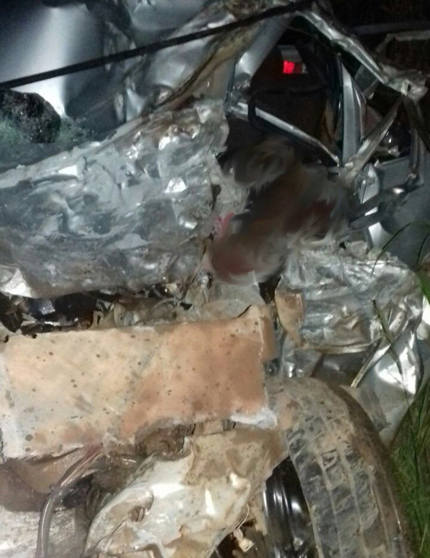 Carro do atacante Aru ficou destruído com o acidente em Marabá-PA (Foto: Reprodução/TV Liberal)