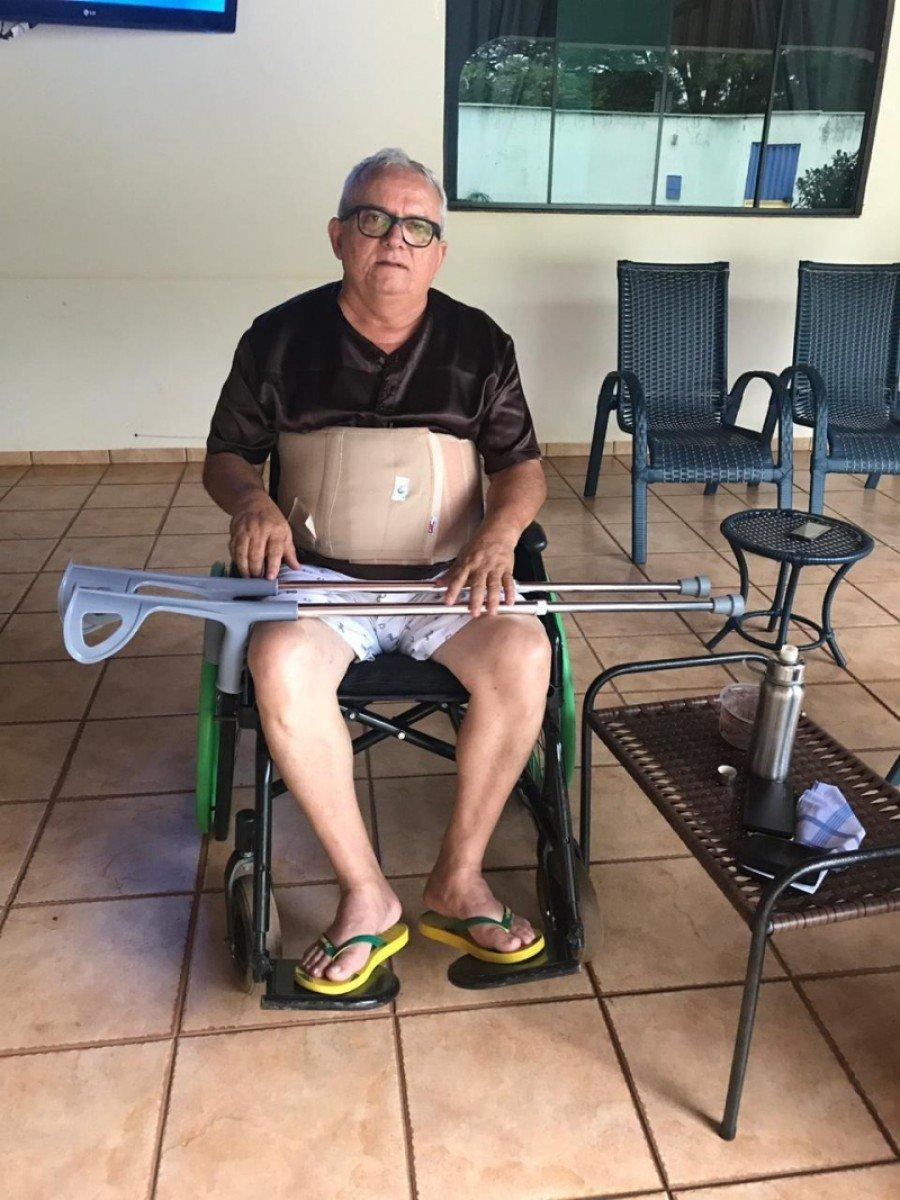 Após investida, Manoel Pires teve duas vértebras da coluna fraturadas e quebrou osso da bacia