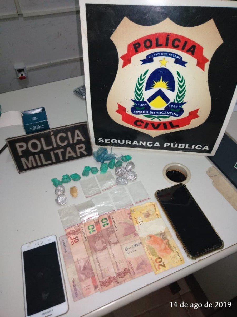 Objetos apreendidos pela polícia em poder do autor (Foto: Divulgação 9º BPM)