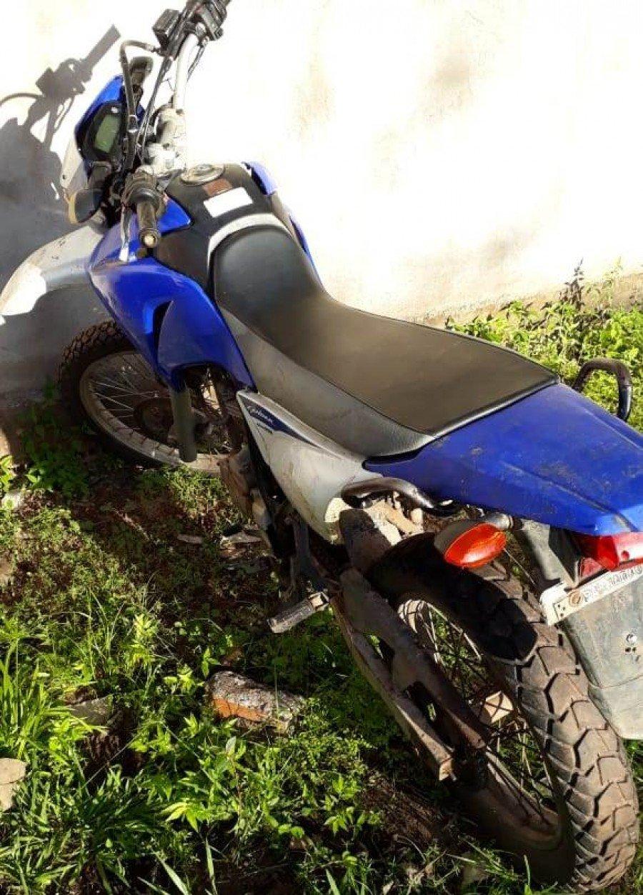 Motocicleta apreendida pela PM de Buriti do Tocantins