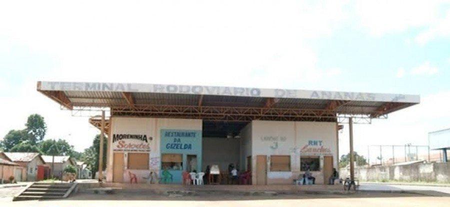 Estrutura precária da rodoviária de Ananás preocupa comunidade
