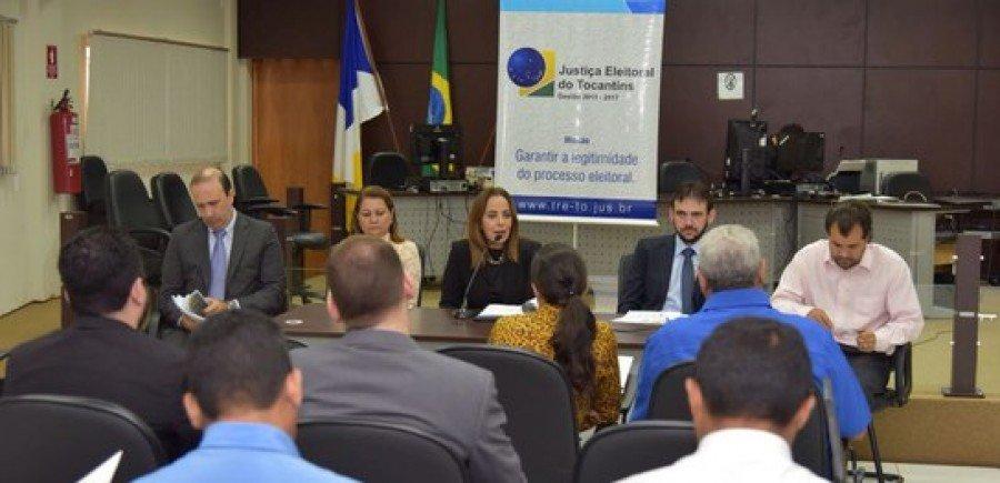 Audiência em Araguatins, na manhã desta segunda-feira, 13