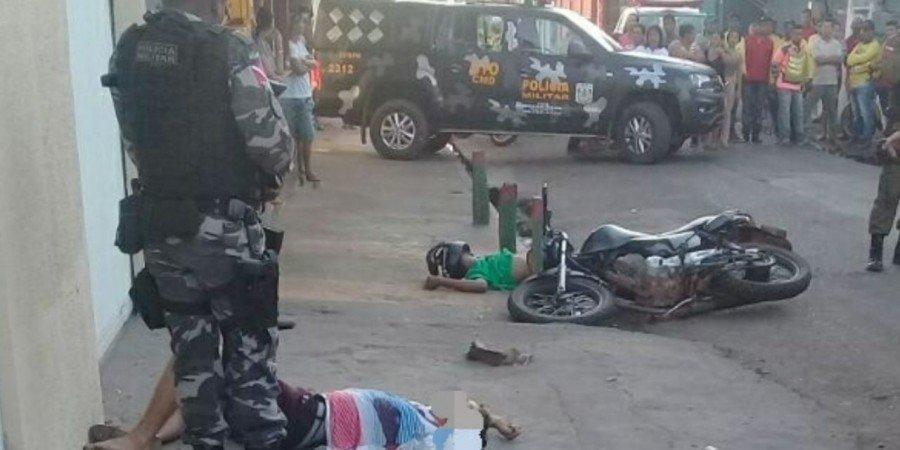 PM recebeu denúncia de que a dupla tocava o terror na cidade e, ao encontrar os dois, a guarnição foi recebida a bala