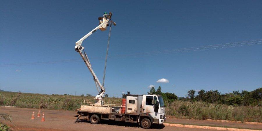 A Superintendência de Iluminação Pública da Seisp de Palmas realizou a troca de 45 novas luminárias de sódio no Distrito