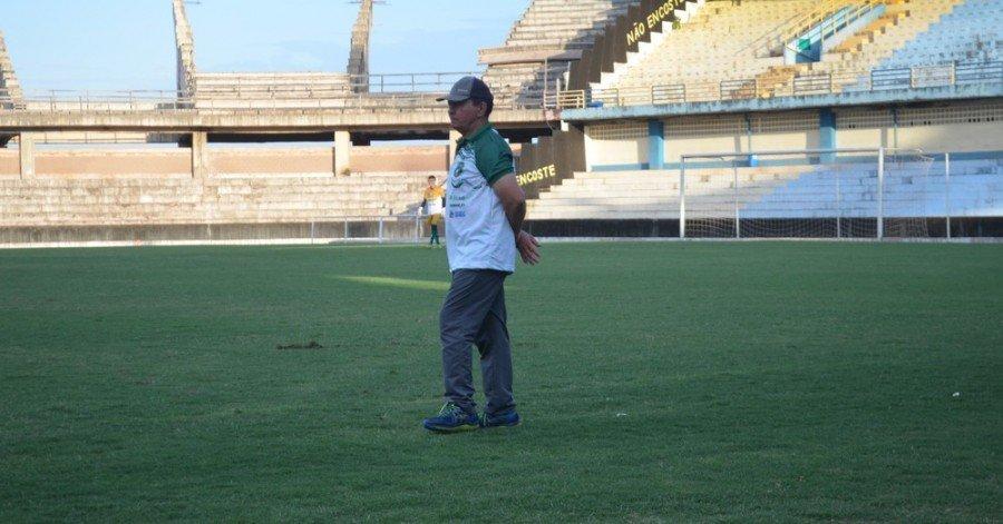Fran Costa, técnico do Tocantinópolis (Foto: Gustavo Campos/GloboEsporte.com)