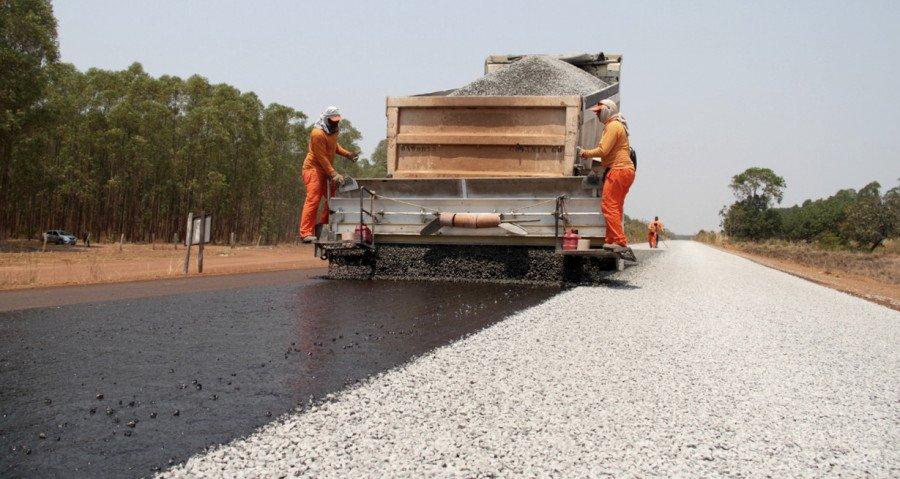 Só na região Central do Estado, foram restaurados três trechos de três rodovias, TO-070, TO-255 e TO-080, totalizando 136 km, com investimento total de R$ 66,5 milhões (Foto: Thiago Sá)