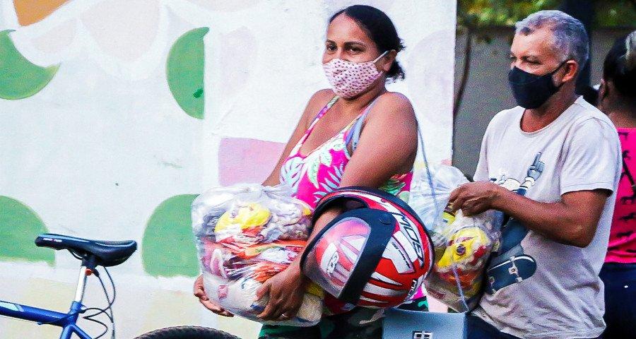 Governo entrega mais de 46 toneladas de alimentos em nove municípios do Bico do Papagaio (Foto: Carlessandro Souza)