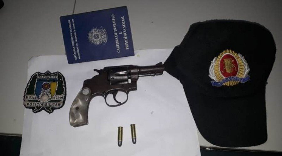 Arma e munições apreendidas pela PM em Axixá
