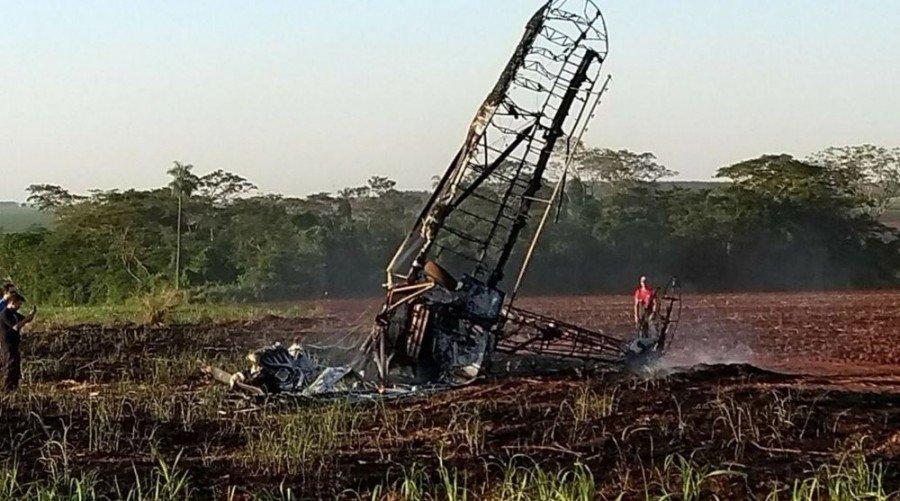 Piloto morreu na queda do avião agrícola em Itápolis (Foto: 104 FM/Divulgação)