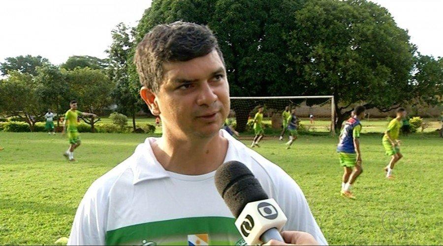 Anaílson, técnico do Tocantinópolis (Foto: Reprodução/TV Anhanguera)