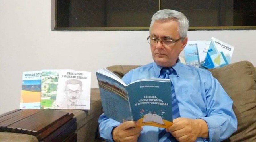 Em agosto de 2018, o escritor Pedro Albeirice visitou instituições de ensino localizadas nos municípios de Ananás e Riachinho, dentre outras
