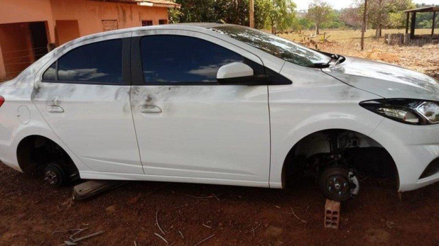 Veículo roubado no Maranhão foi recuperado em uma chácara na zona rural de Araguaína