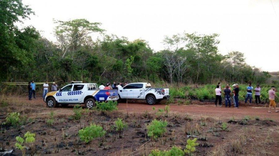 Polícia interditou local onde a caminhonete foi encontrada