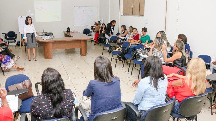 As capacitações oportunizam um melhor atendimentos às pessoas que precisam dos serviços do CRAS (Foto: Cralessandro Souza)