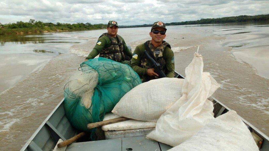 Materiais de pesca predatória apreendidos em Araguatins