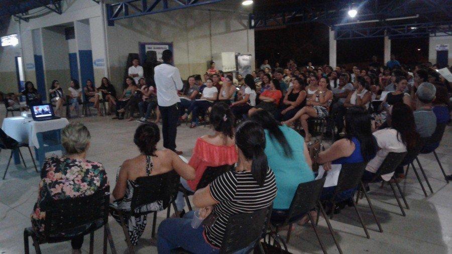 Professor Jorlan Lima Oliveira durante palestra. (Foto: Arquivo Pessoal)