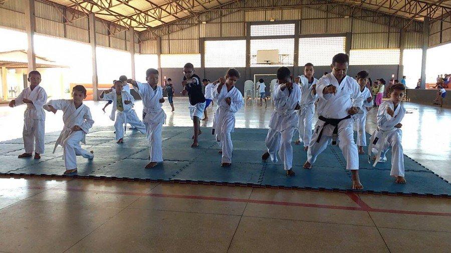 O projeto Karatê nas Escolas já atende a mais de 300 moradores nas escolas dos setores Céu Azul e Lago Azul