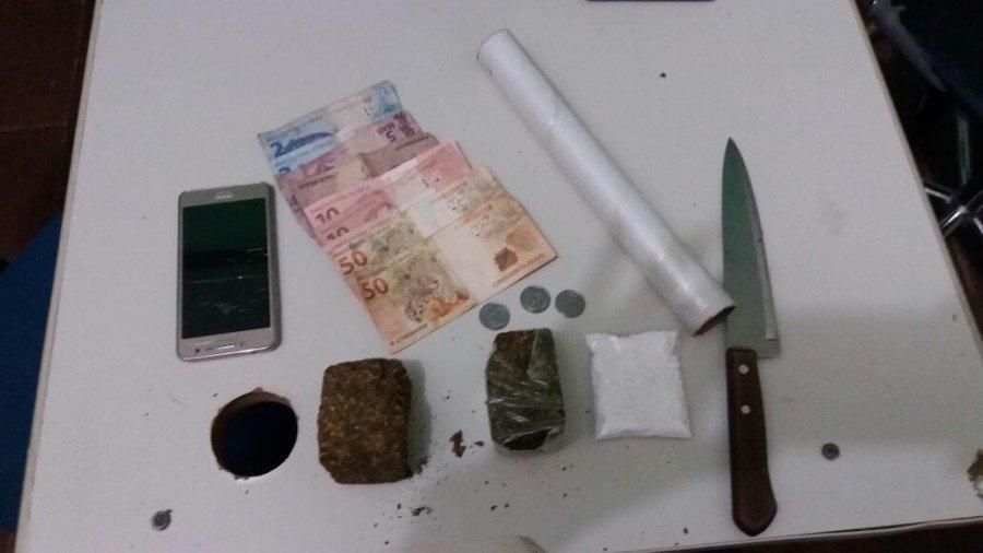 Drogas e objetos apreendidos em Colinas (Foto: Divulgação PMTO)