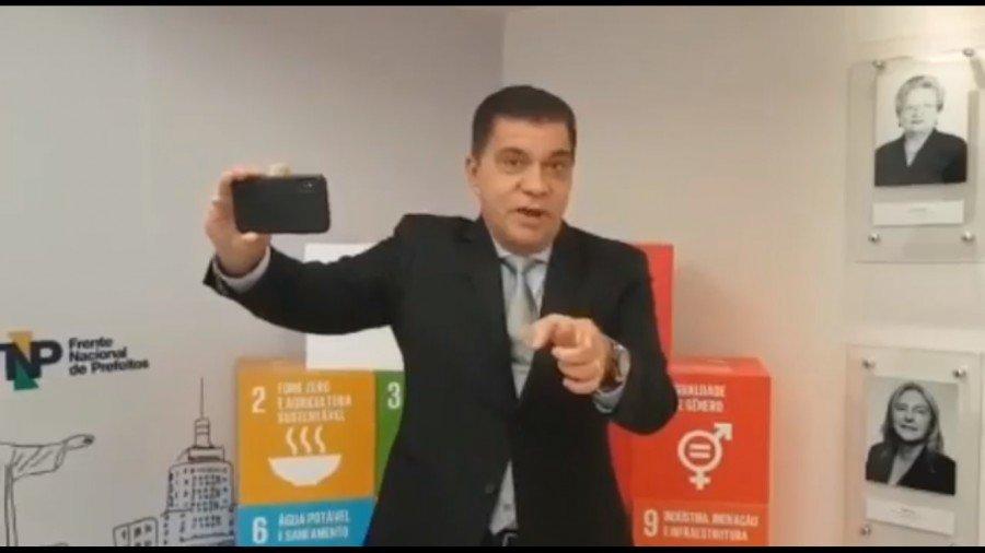 """Com vídeo no """"padrão Globo"""", Amastha lança campanha para sociedade se mobilizar pela derrubada do veto ao Refis das micro"""