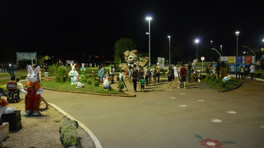 Visitantes lotam o Parque Cesamar no último dia da Páscoa dos Sonhos