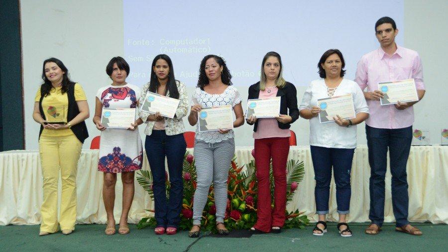 Professores da rede municipal de ensino homenageados pela Undine