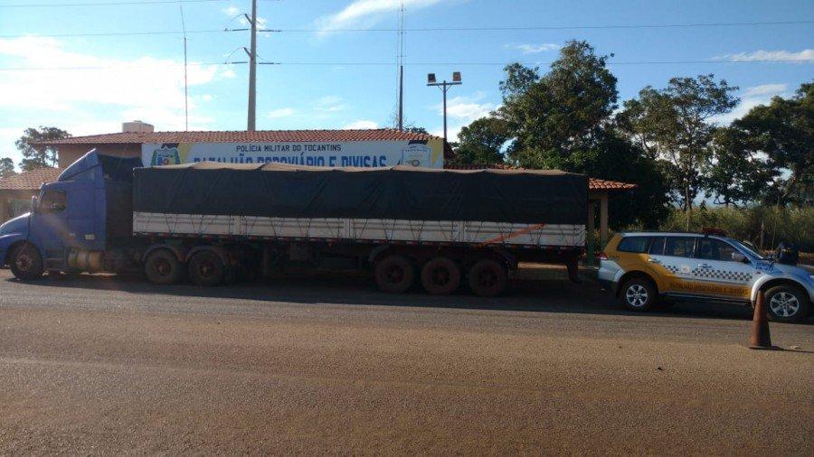 O veículo foi submetido à inspeção e apreendido (Foto: Divulgação PMTO)