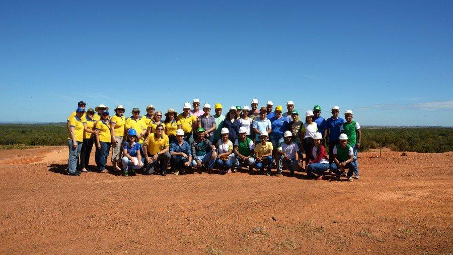 Estudantes paraense visitaram e conheceram o funcionamento do aterro sanitário de Palmas nesta terça, 05 (Foto: Regiane Rocha)