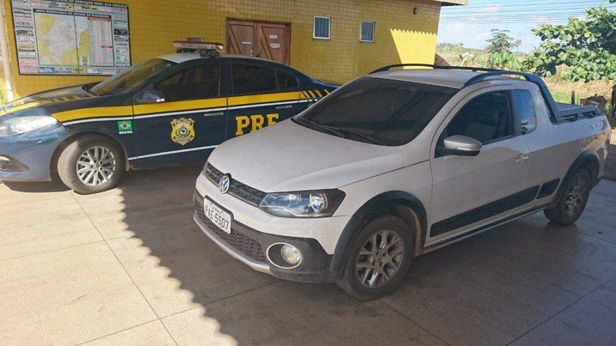 Picape roubada em Brasília é recuperada na BR-010 em Imperatriz (Foto: Divulgação/Polícia Rodoviária Federal)
