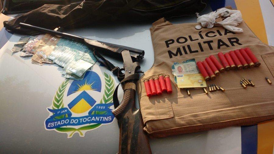 Arma e munições apreendidas pela PM