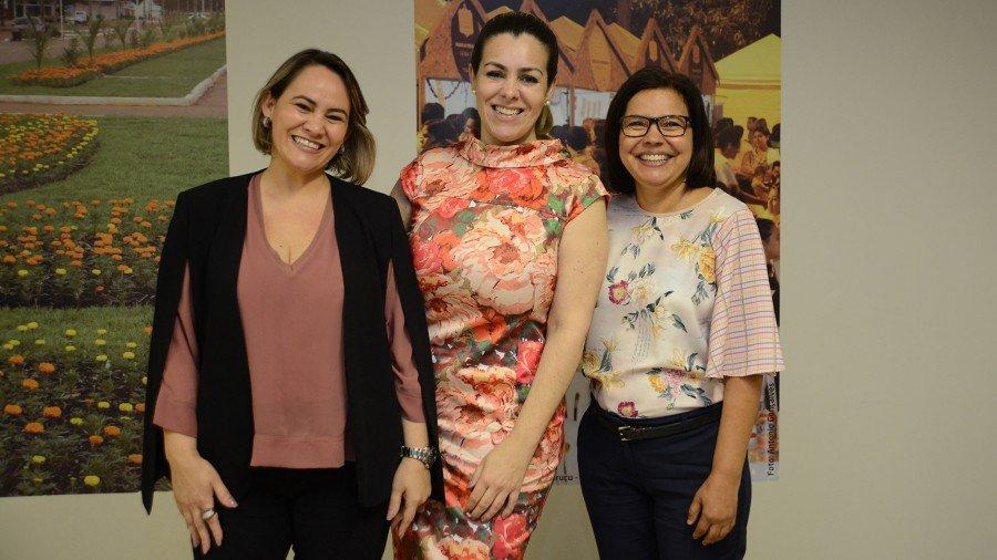 Deborah Lôbo é a nova secretária e Ivonete Motta continua como secretária executiva (Foto: Edu Fortes)