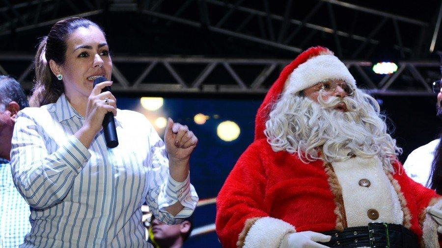 Prefeita disse que deseja mostrar que Palmas é uma cidade unida em que a festa de Natal vai até todas as famílias
