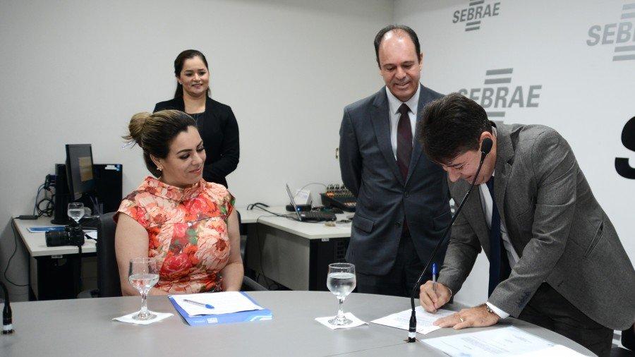Cinthia Ribeiro enalteceu o perfil de Ramos como administrador de grande contribuição para o Município (Foto: Regiane Rocha)