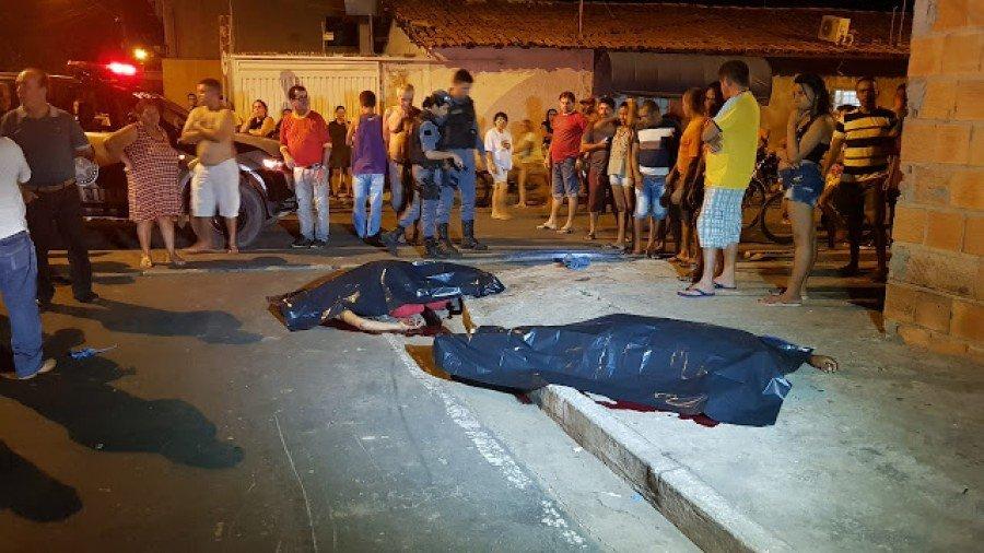 Romildo Ribeiro Marinho e João Matias de Sousa Filho foram mortos a tiros em uma calçada no bairro Bacuri, em Imperatriz-MA