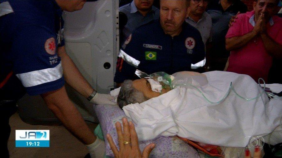 Prefeito de Novo Acordo foi internado após ser baleado na cabeça dentro de casa (Foto: Reprodução/TV Anhanguera)