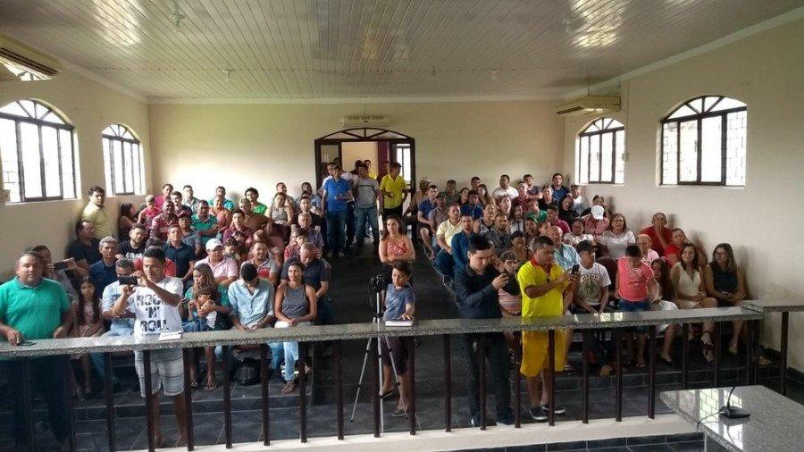 Câmara de Augustinópolis ficou lotada para posse dos suplentes (Foto: Paulo Palmares/Divulgação)