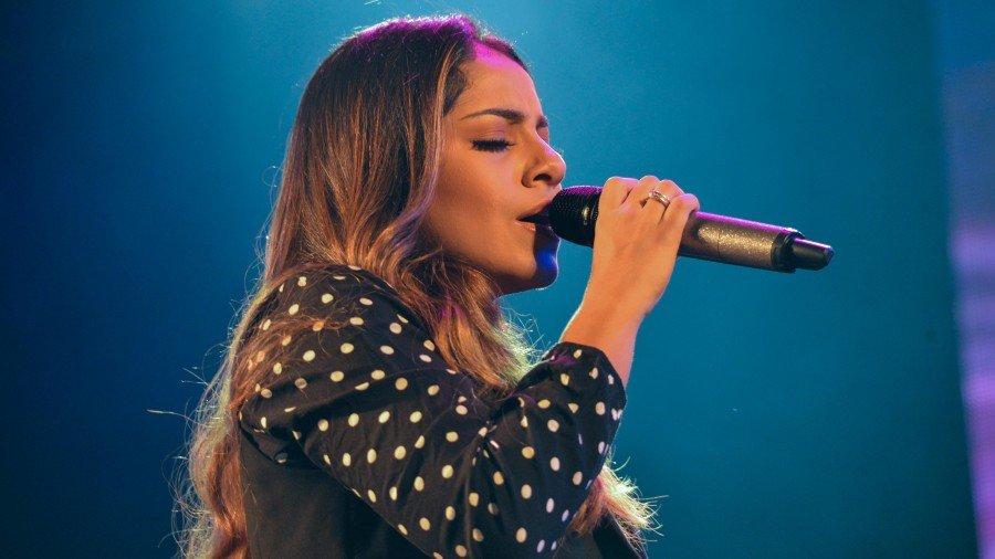 Terceira atração da noite, Gabriela Rocha levou o público a cantar em coro suas canções de louvor (Foto: Edu Fortes)