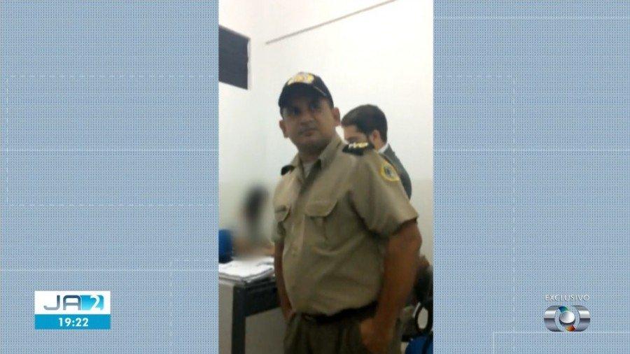 Tenente-coronel invadiu a sala do delegado durante o depoimento (Foto: TV Anhanguera)