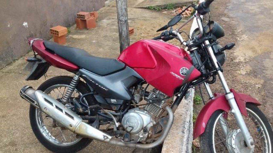 Motocicleta recuperada pela PM em Axixá
