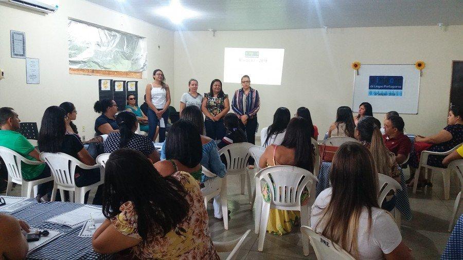 Professores das escolas estaduais e municipais de 11 cidades participaram da formação (Foto: Seduc)