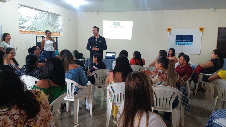Dorismar Carvalho destacou a importância da formação para o desenvolvimento da leitura e escrita (Foto: Seduc)