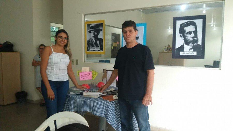 A formadora Bruna Mércia e o professor Miguel Magno enfatizaram a relevância da capacitação (Foto: Seduc)