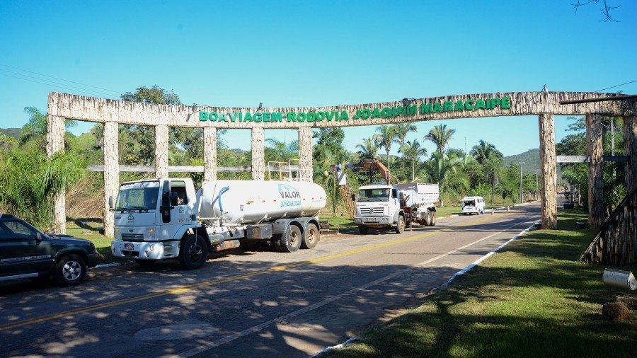 Prefeitura enviou equipe completa para conclusão dos últimos preparativos (Foto: Edu Fortes)