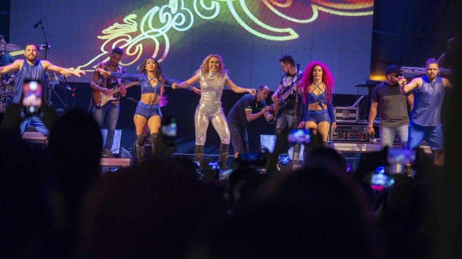 Joelma colocou o público para dançar ao som dos seus maiores sucessos