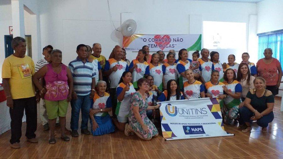 Evento foi realizado para comemorar o Dia Mundial do Idoso e contou com atividade física e palestra com psicóloga