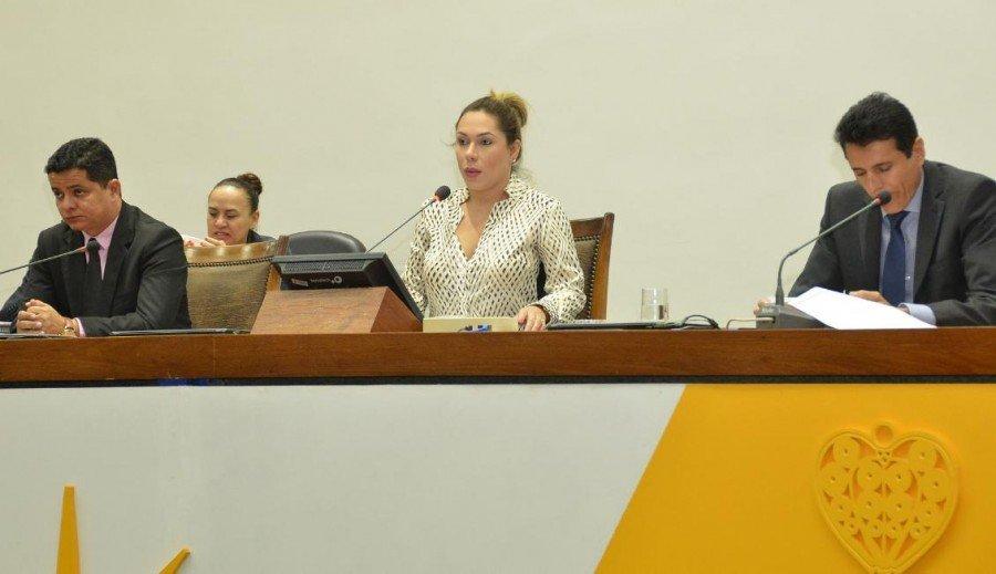 Alguns deputados criticaram a decisão do governador e pediram o retorno dos servidores (Foto: Benhur de Sousa)