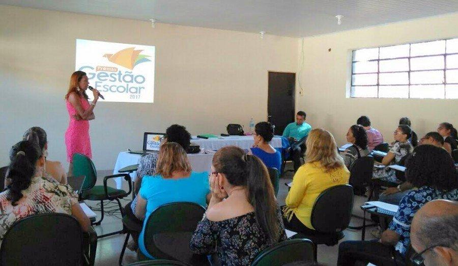A mobilização pretende garantir a participação das escolas públicas de educação básica no Prêmio Gestão Escolar 2017