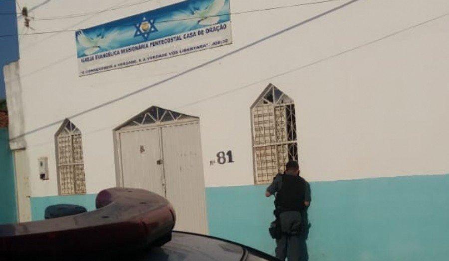 O pastor fugiu antes da chegada da polícia. (Foto: Divulgação)