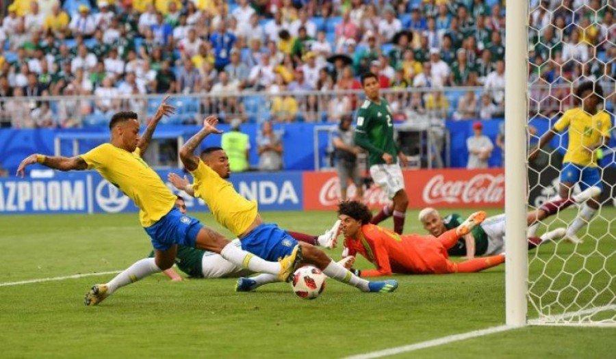 Neymar abre o placar para a Seleção Brasileira diante do México, na Arena Samara